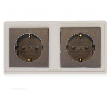 Furutech FP-SWS-D High Performance Schuko Wall Socket - Gold