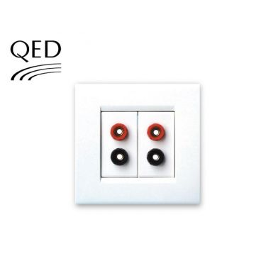 QED WM11 Wall Mount 4 x 4mm - Banana Sockets
